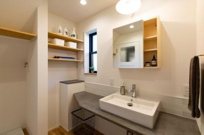 洗面室 (カフェのようにくつろげるリビングダイニング)