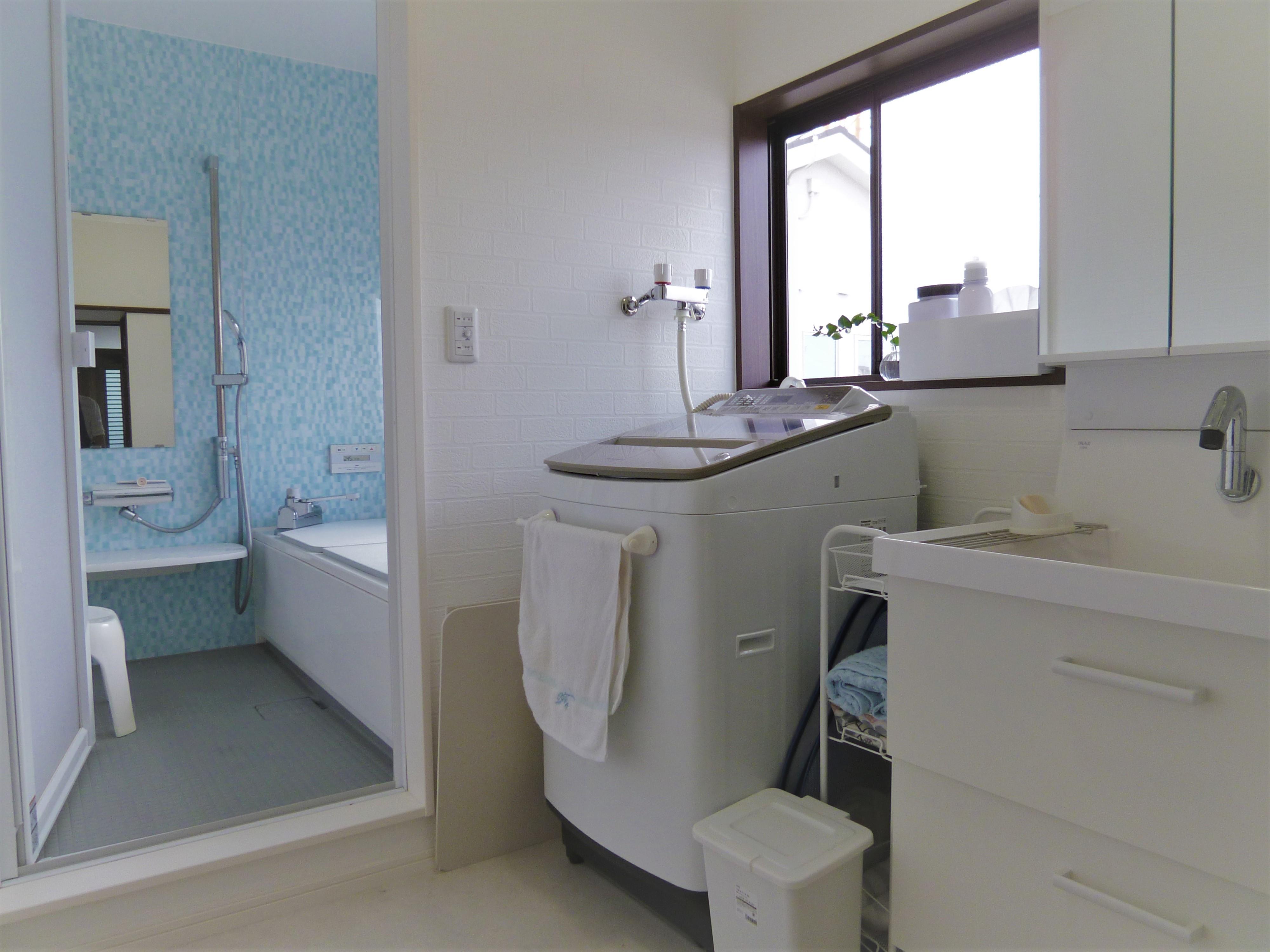 バス/トイレ事例:洗面・浴室(ナチュラルテイスト)