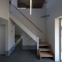 篠山市の小さな家 (階段)