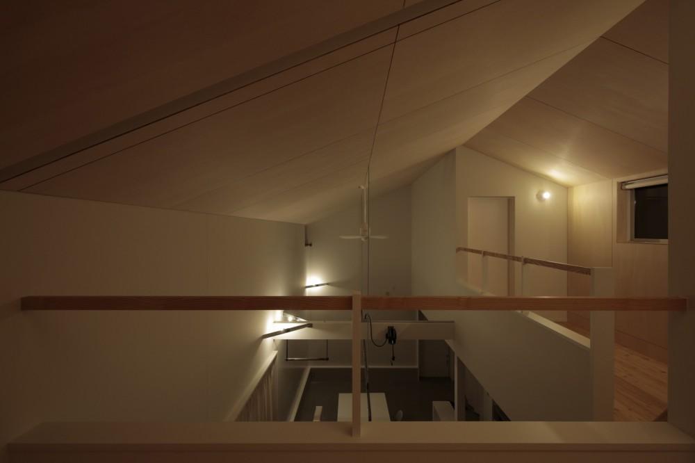 篠山市の小さな家 (寝室からリビングダイニングを見る)