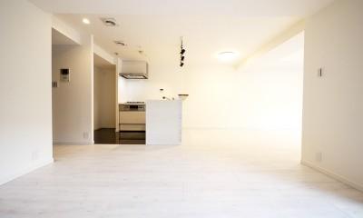 大理石調カウンターのL型キッチン