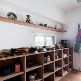 無国籍なインテリア (キッチン横/食器棚)