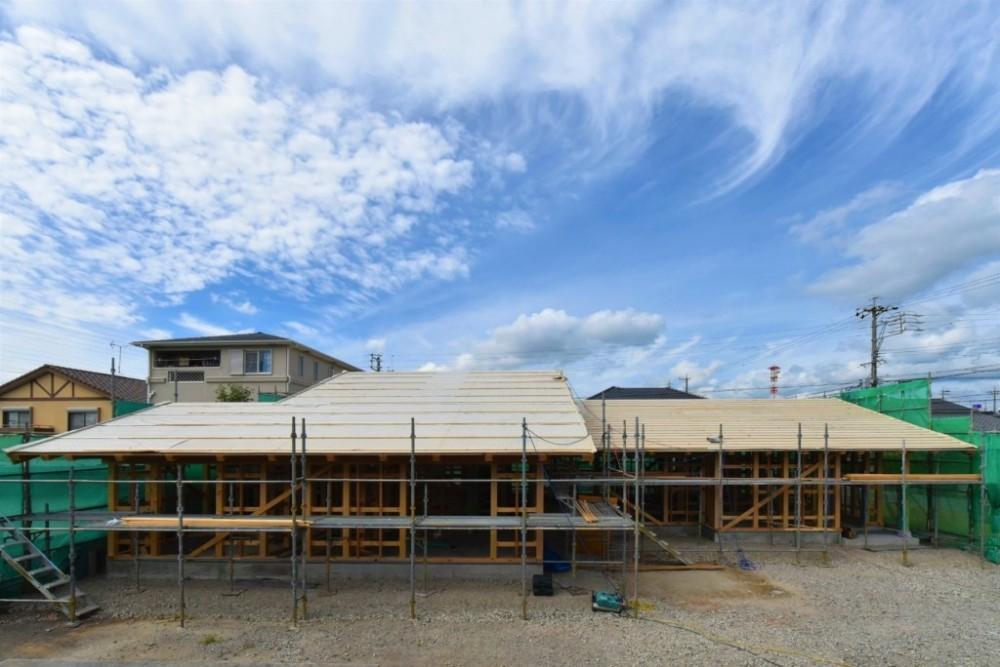 愛知の土壁[工事中] (大きな屋根の平屋です)