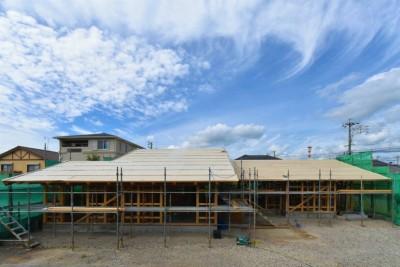 大きな屋根の平屋です (愛知の土壁[工事中])