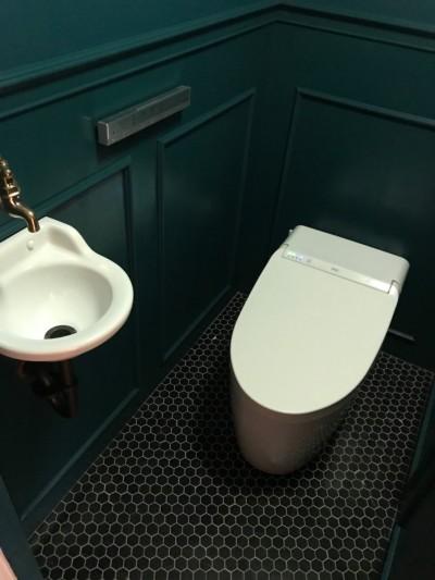 トイレ (「割り箸の袋」まで許容した(?)遊びゴコロが自慢です~A様邸~)