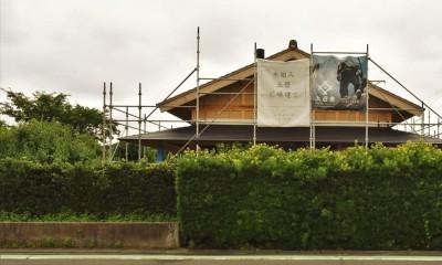 静岡の石場建て[工事中] (西妻壁の外観)