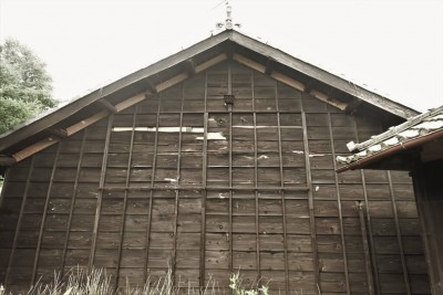 改修前の西妻壁 (愛知の茅葺き再生[工事中])