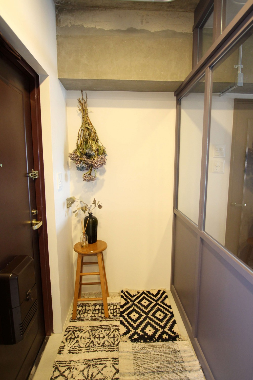 施主の趣味や生活が垣間見える「週末自宅レストラン」~Y様邸~ (玄関土間)