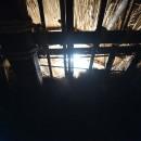 愛知の茅葺き再生[茅葺き]の写真 内部窓からの光