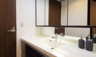 気品あふれる空間へ luxury modern style (洗面スペース)