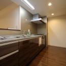 気品あふれる空間へ luxury modern styleの写真 キッチン