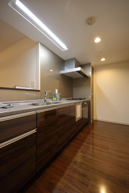 キッチン事例:キッチン(気品あふれる空間へ luxury modern style)