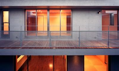 庭側外観|【フラッツS 】  都心の山岳都市住宅