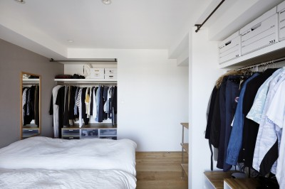 無駄のない収納があるベッドスペース (今まで、イマ、これから)