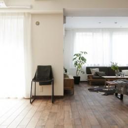「中古マンション」のイメージを覆す天然無垢材のリビング~R様邸~