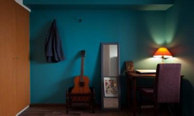 書斎コーナー 壁と床だけでこれだけ変わる! アイデアあふれる築浅リノベ~K様邸~