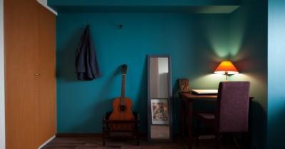 書斎コーナー (壁と床だけでこれだけ変わる! アイデアあふれる築浅リノベ~K様邸~)