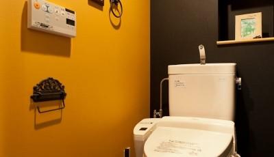 トイレ (壁と床だけでこれだけ変わる! アイデアあふれる築浅リノベ~K様邸~)