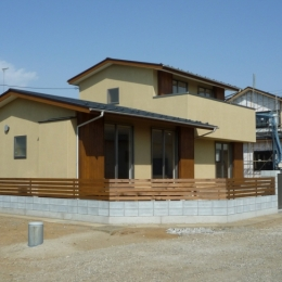 外観 (A House)