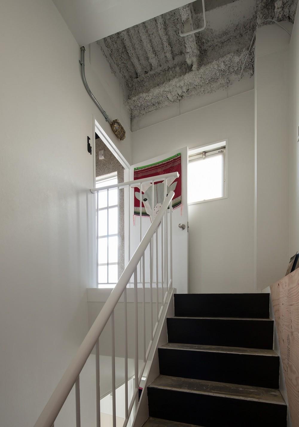 AKAビル (階段)