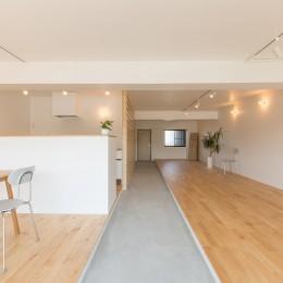 米子のマンションリノベーション (玄関への視点)