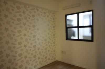 子供室の室内窓 (愛猫をいろんな角度で眺められる、遊びゴコロにあふれた家~T様邸~)