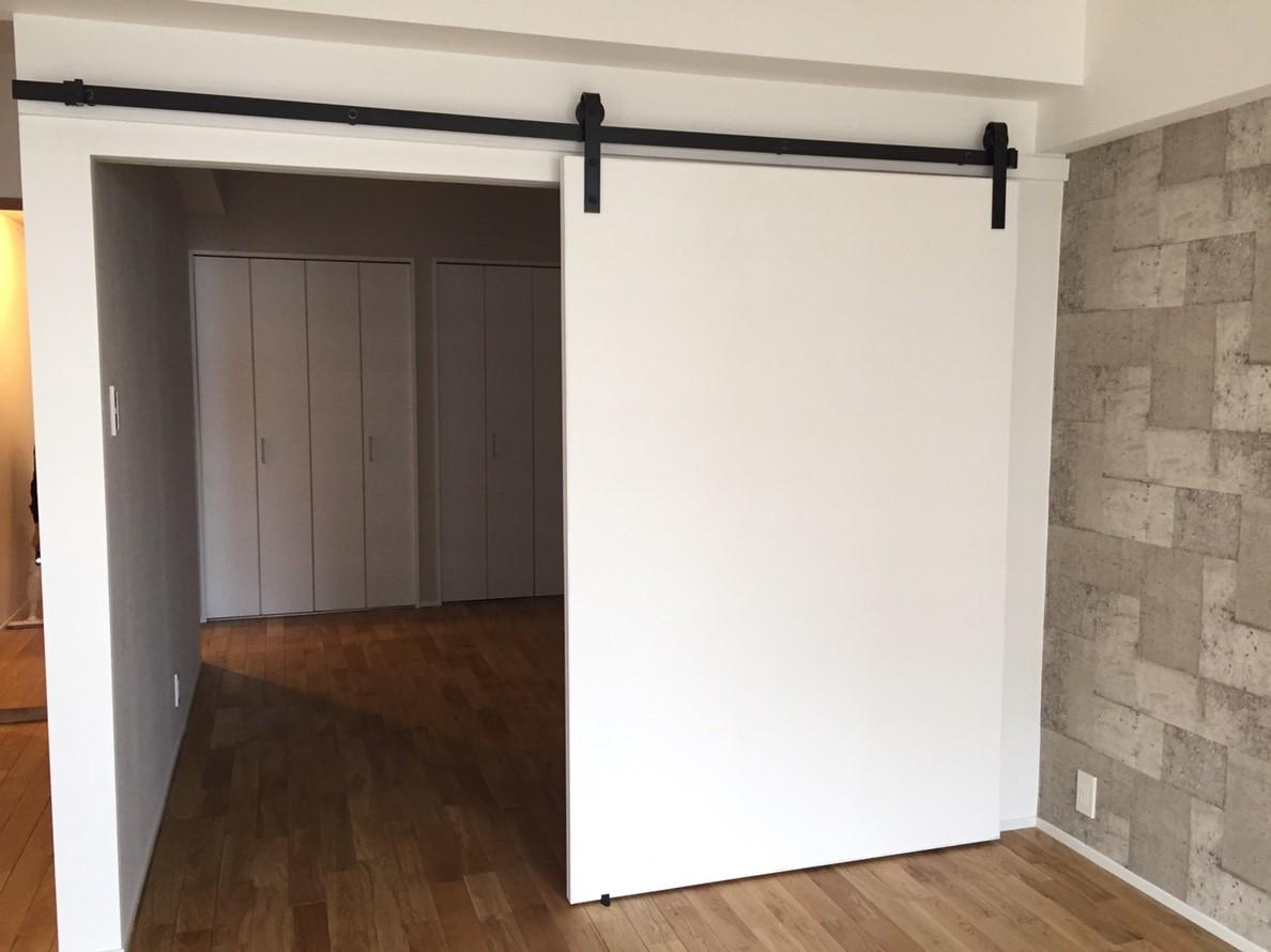 ベッドルーム事例:造作引き戸(シミュレーションを重ねて吟味した「時間を有効に使える家」~F様邸~)