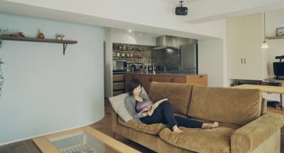 プライベートカフェのような寛ぎの空間 (リノベーション / mocha)