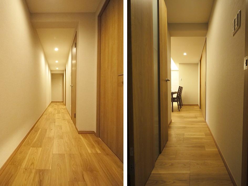 折り上げ天井と間接照明のリビング (廊下)