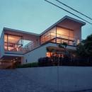 【フラッツ5+1】  − オーナー3住戸+賃貸2戸+アトリエの複合建築の写真 外観夕景