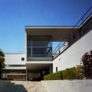 【フラッツ5+1】  − オーナー3住戸+賃貸2戸+アトリエの複合建築の写真 アプローチ外観