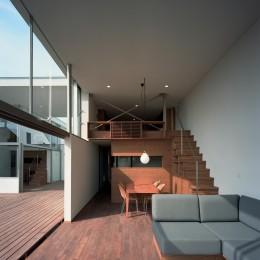 【フラッツ5+1】  − オーナー3住戸+賃貸2戸+アトリエの複合建築 (リピングダイニング)