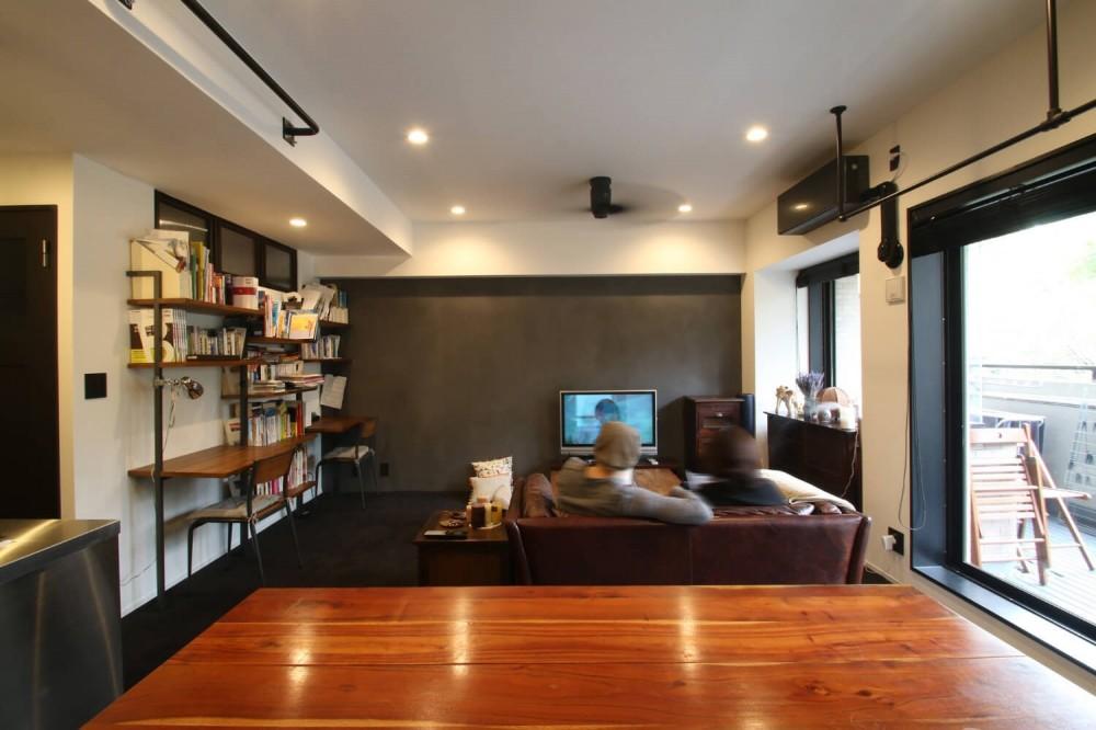 【モノトーン】×【アジアで見つけたビンテージ家具】でつくる東南アジアのリゾートホテル (LD)