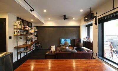 LD|【モノトーン】×【アジアで見つけたビンテージ家具】でつくる東南アジアのリゾートホテル