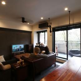 LD (【モノトーン】×【アジアで見つけたビンテージ家具】でつくる東南アジアのリゾートホテル)