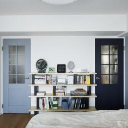 ぐるり一周 (2つの扉から家中に繋がるベッドルーム)