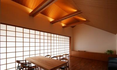 リビングダイニング|【つなぎ梁の家】  柔らかな光に包まれたリビング空間