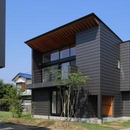 【Trilogy−北の家】 3つの分譲宅地で1つの世界をつくる (外観)
