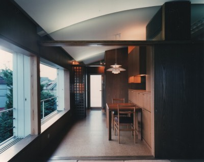 ダイニング (【アトリエの家】 80歳の画家のアトリエ+住居。これまでの生き方を内包し、これからの夢を育む)