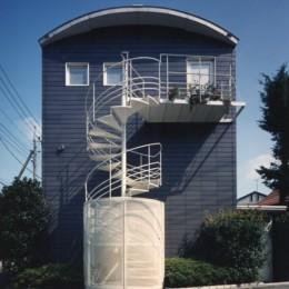 【アトリエの家】 80歳の画家のアトリエ+住居。これまでの生き方を内包し、これからの夢を育む (外観)