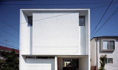 【スキップテラスの家】  テラスの段差が生み出す、外部空間の変化