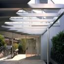 【トライアングル・ハウス】 空間に変化を生み出す三角形平面の写真 エントランス