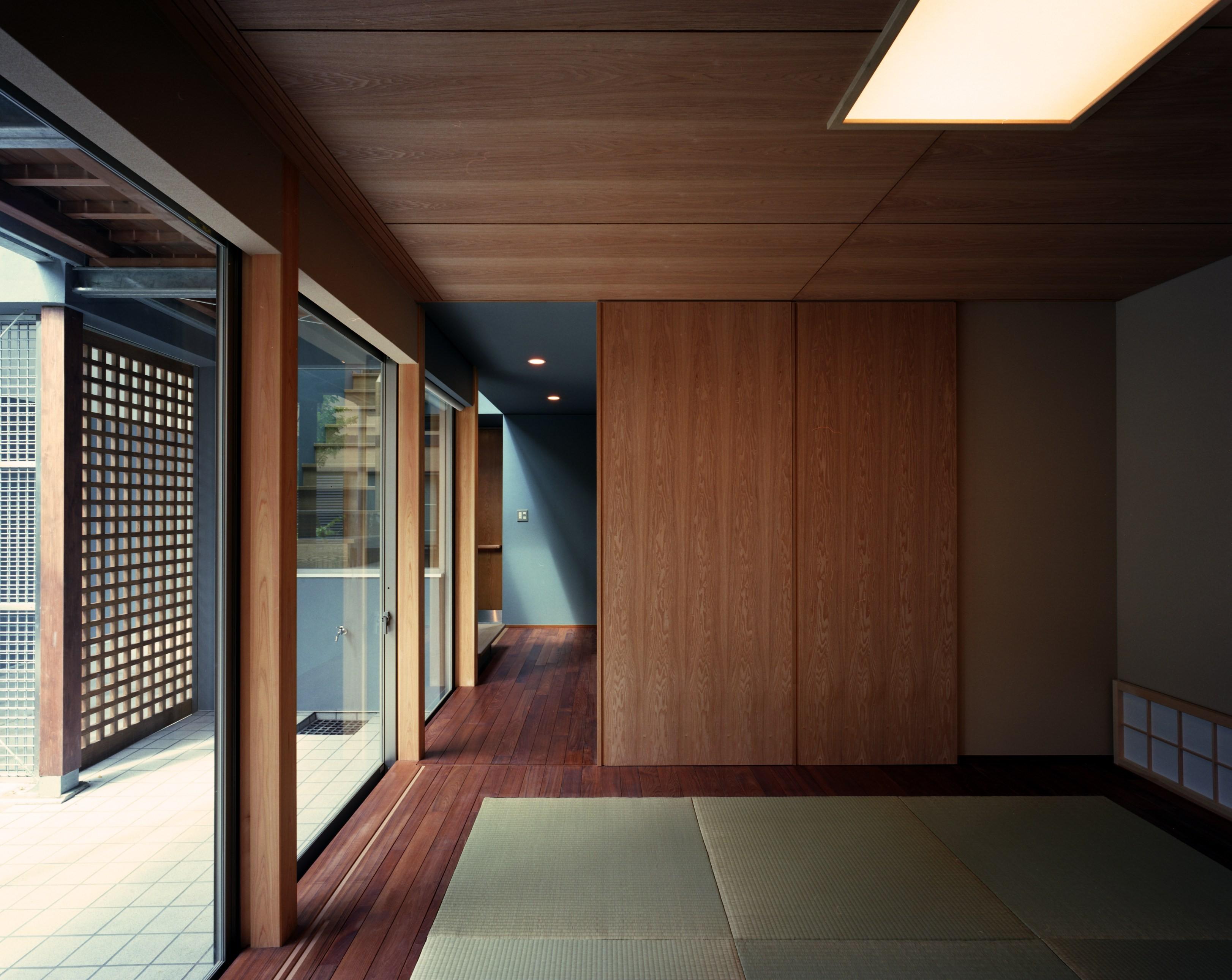 その他事例:和室(【光渓の家】  家の中央を貫く光)