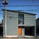 【光渓の家】  家の中央を貫く光の写真 外観