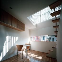 【公園通りの家】  建坪8坪の極小! 店舗併用住宅