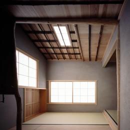 椿庵 ― 茶室のある旗竿敷地の住宅 ― (椿の木を使った茶室)