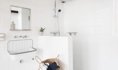 洗面・シャワールーム|倉庫リノベーション_シンプル海外スタイル