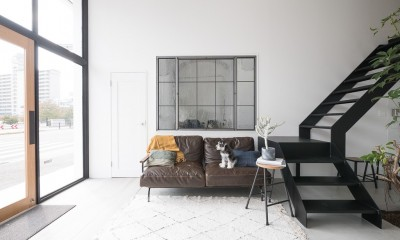 オリジナルアイアン室内窓|倉庫リノベーション_シンプル海外スタイル