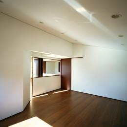 【ブーメラン・プランの家】 「へ」の字型のプランから広がる世界 (子供室)