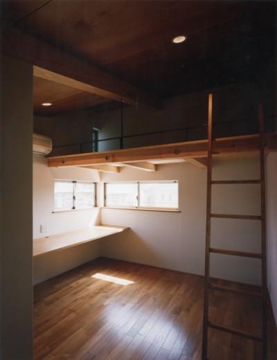 子供室 (【自由が丘の家】  宙に浮いたテラスが特徴の住宅)
